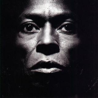 miles-davis-tutu-album-cover