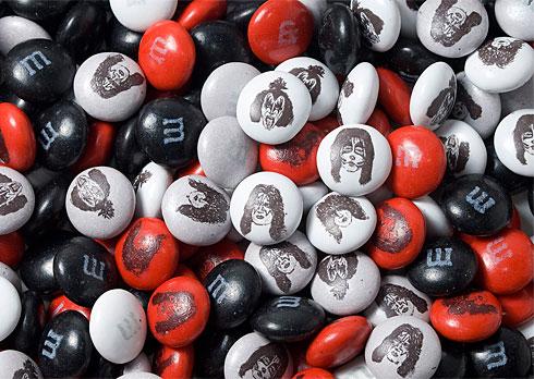 Kiss candy merch