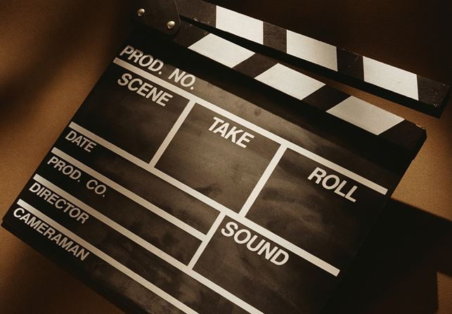 film-shoot-clapper-board